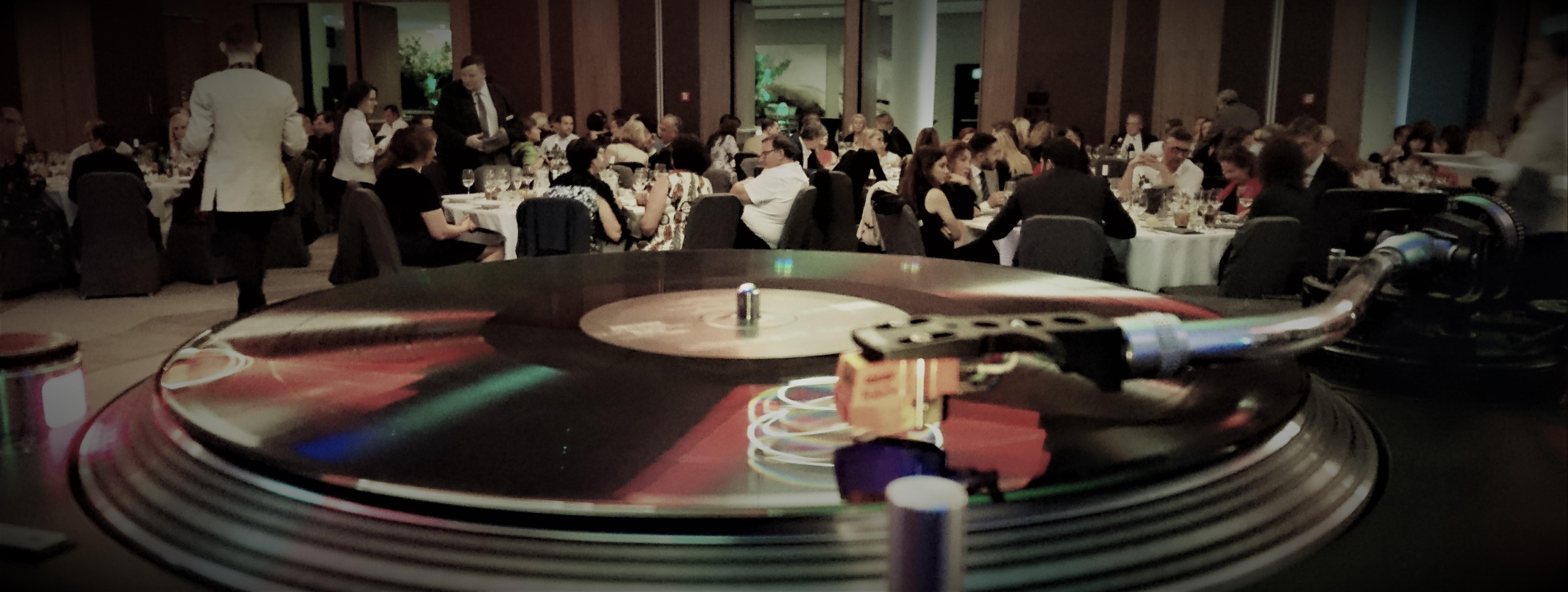 DJ firmapeole